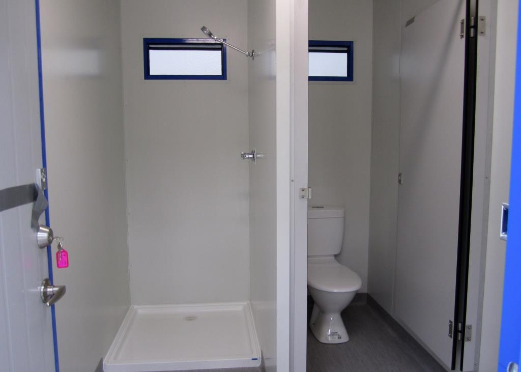 9.6 x 3m - Male  Female Toilet 9